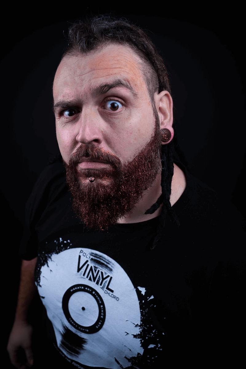 Mann mit rotem Bart