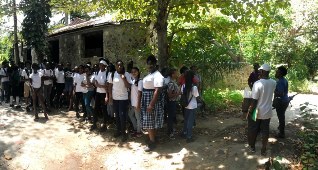 MAC CSE students tour APS' Mary's Fancy Plantation
