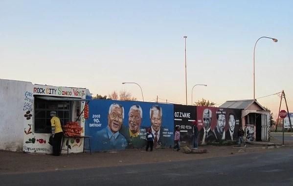 Soweto: durante os jogos, não havia caixa de som por lá, bem diferente das fan fests.