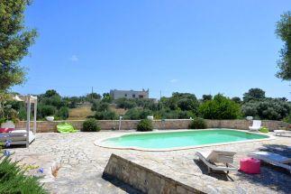 Pool Trullo Pina & Terrasse