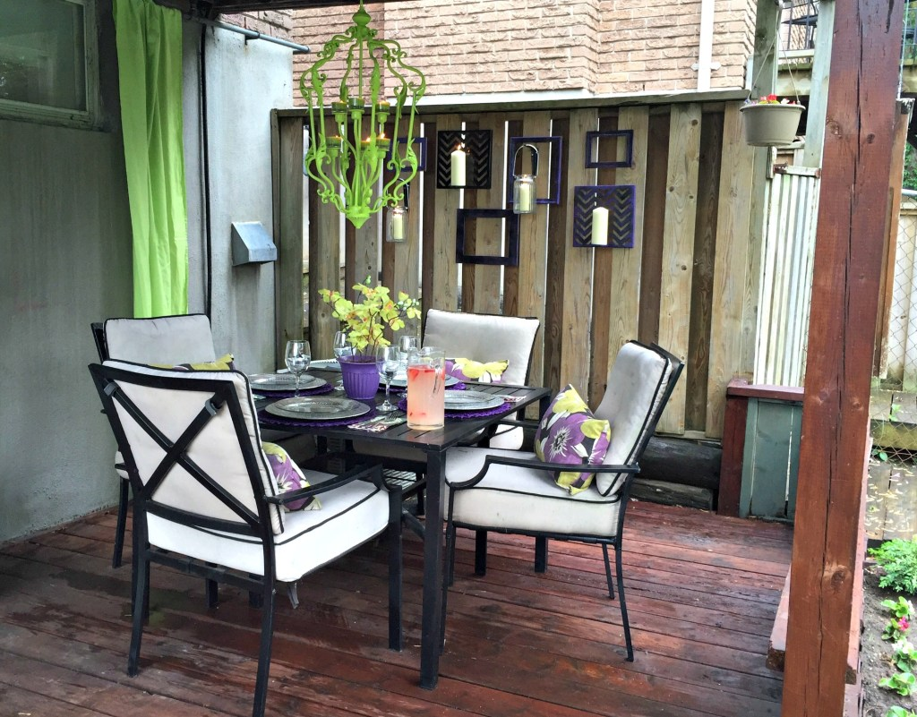 Outdoor Space Transformation / Outdoor Dining / Deck Refresh / apurdylittlehouse.com