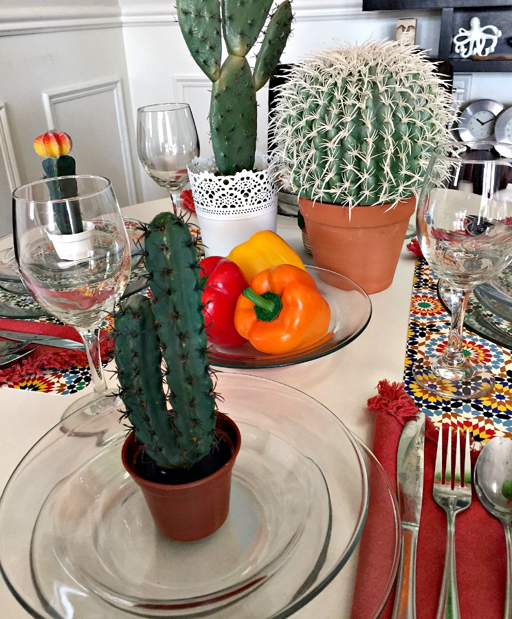 Mexican FiestaTable Setting for a Mexican themed dinner Mexican food table setting apurdylittlehouse.com & Mexican Fiesta Table Setting - a purdy little house