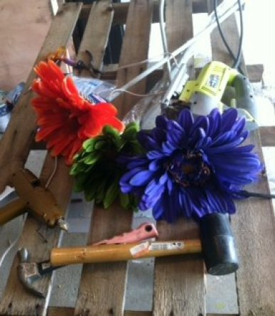 floral-art-and-pallet-wood-30dayflip-crafts-diy-pallet (1)
