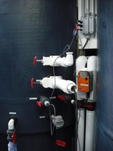 Probes inserted into 5 m3 mesocosm via water sampling valves