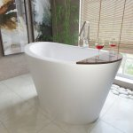 4 Bathtubs That Beautifully Suit Small Bathrooms