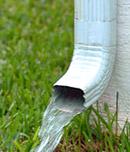 Qualité de l'eau de pluie en sortant d'une gouttière