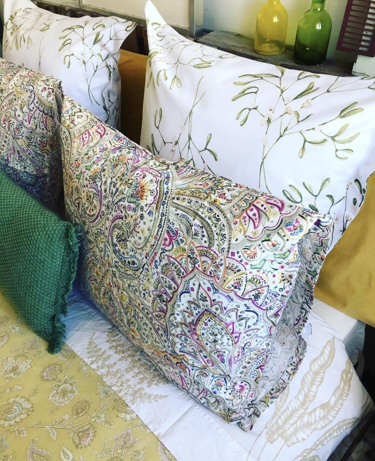 Almohadas y cuadrantes de Zara Home