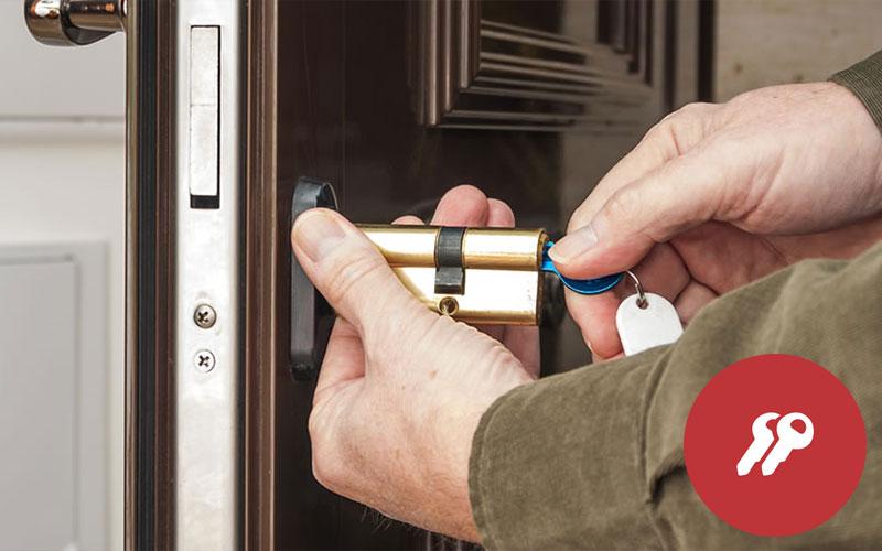 Cambiar el bombín de la cerradura de la puerta principal