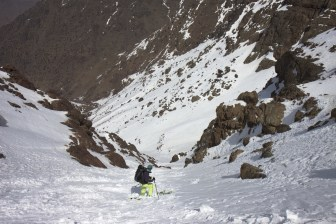 Jasmin in discesa dal Toubkal Copyright © Armando Bodeo & Jasmin Biller