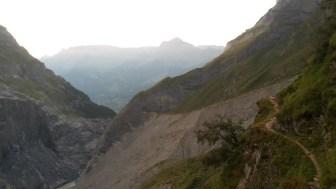sentiero-di-avvicinamento-sulla-collina-il-baregg