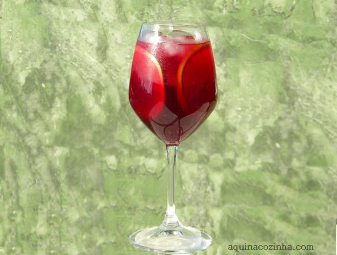 Primeira fotogarfia publicada no artigo Bebida Refrescante de Vinho