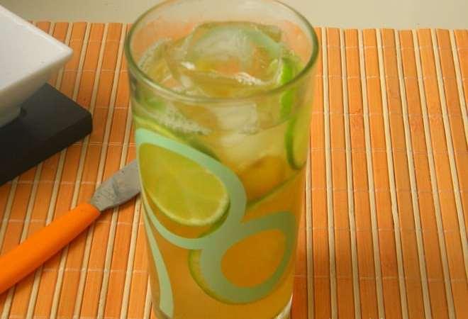 Chá verde com limão, laranja e gengibre