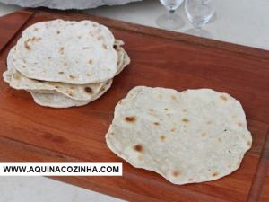 Pão ázimo, ou pão sem fermento, ou pão folha ou chapati