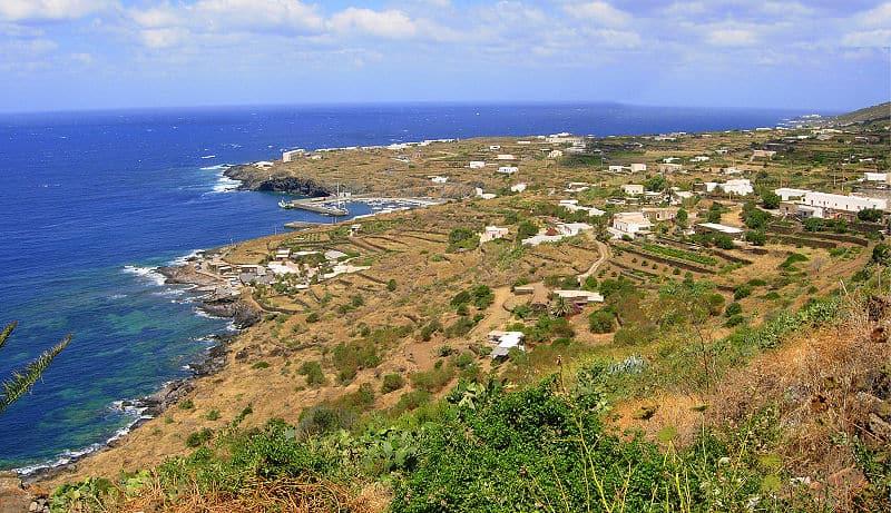 جزيرة بنيليريا