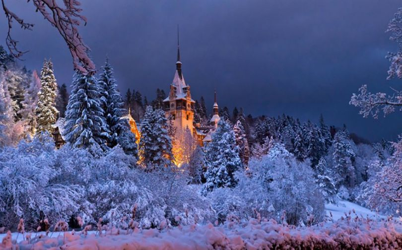 Wintertime-Bliss-at-Peles-Castle-in-Romanian