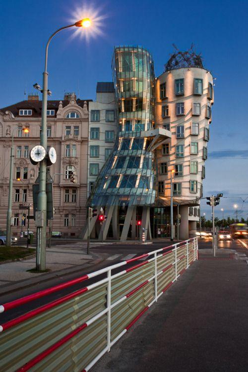المبنى الراقص فى اوروبا