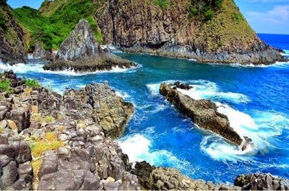 تسلق الصخور فى شاطىء Semeti