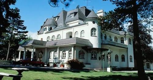 فندق ايجل في انسبروك النمسا