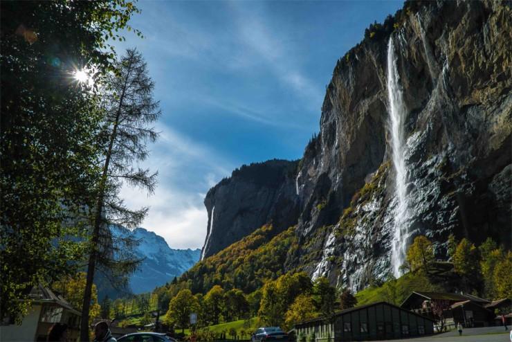 شلالات ستوباخ بسويسرا