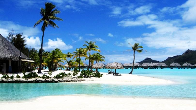 شواطيء جزيرة بوراكاي