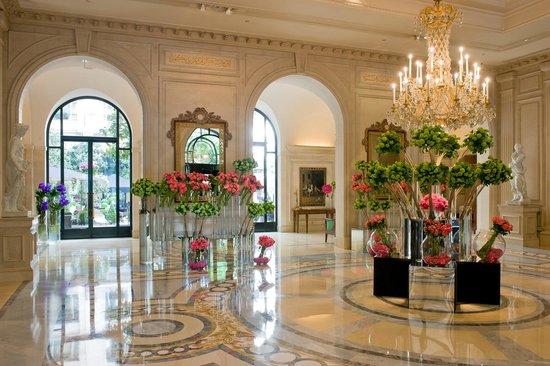 فندق فور سيزونز جورج الخامس