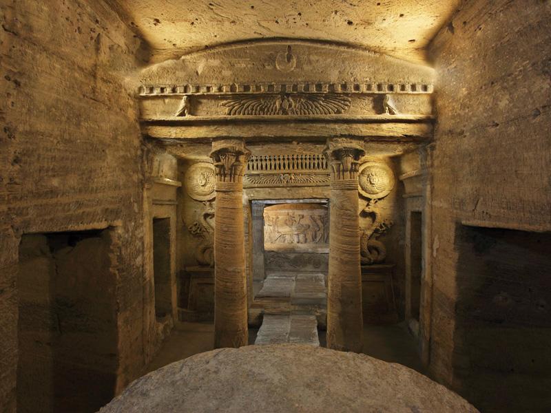 مقابر كوم الشقافة