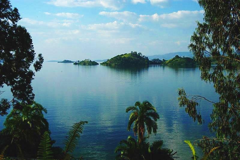 شاطئ بحيرة كيفو