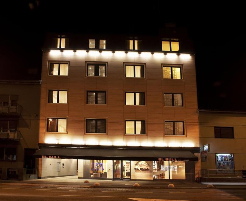 فندق ريزيدنس