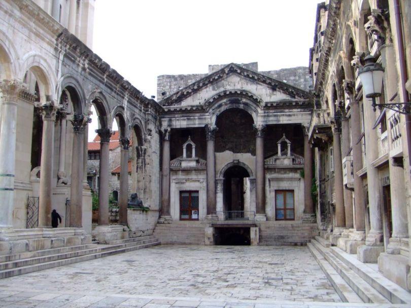 قصر دقلديانوس