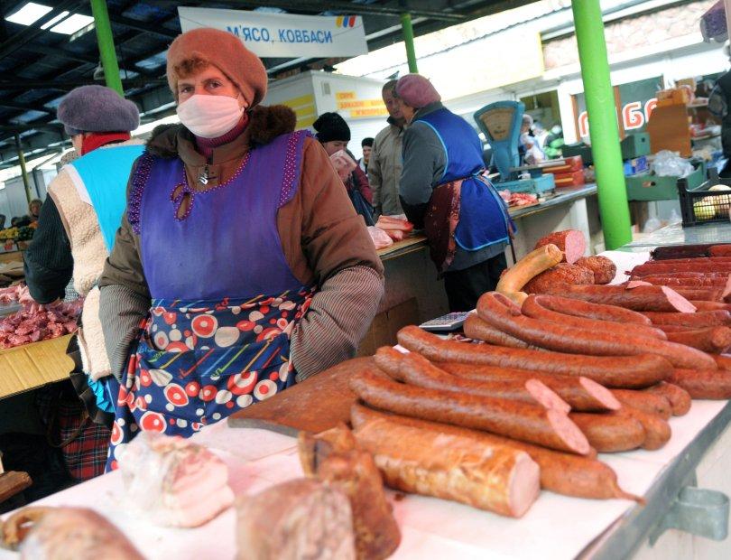 سيدات BABUSHKA'S فى سوق كييف.