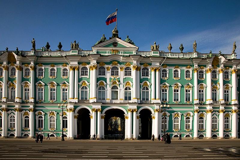 """""""سانت بطرسبرج"""" حينما يتعانق الماضي والحاضر والمستقبل"""