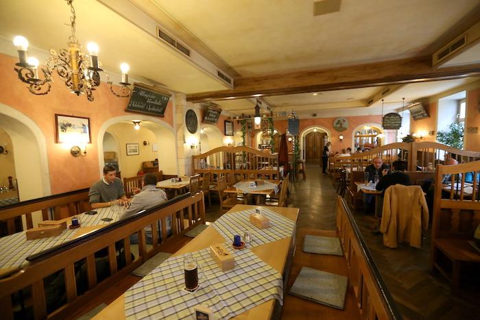 مطعم Bayerischer Löwe