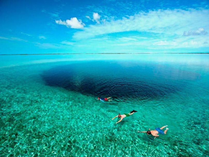 الثقب الأزرق في بليز