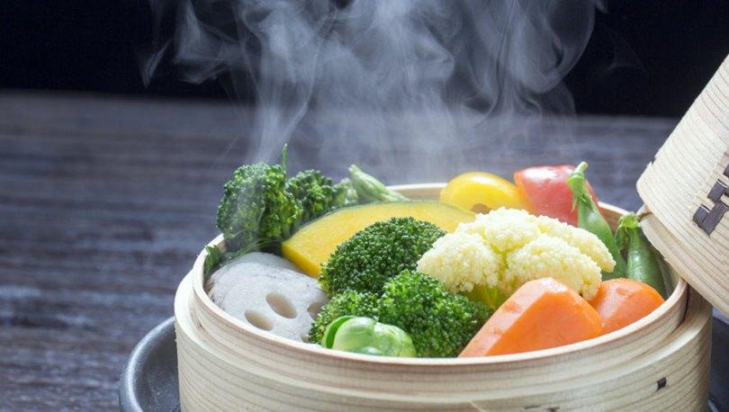 تناول الأطعمة الساخنة