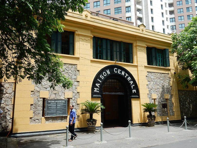 متحف السجن Hoa Lo Prison