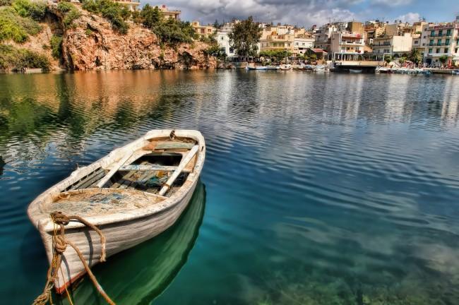 المدن في اليونان