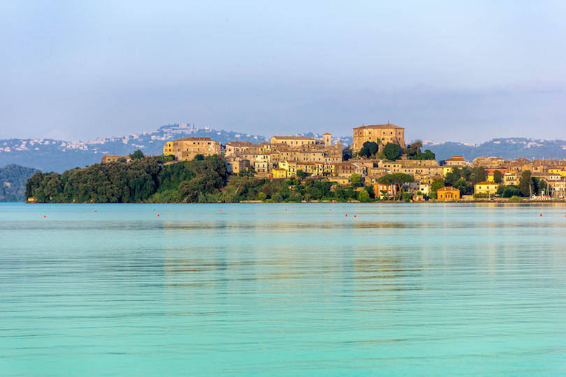 البحيرات في إيطاليا