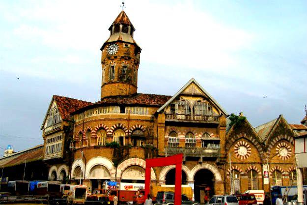 الاماكن السياحية في مومباي سوق كروفورد الشهير
