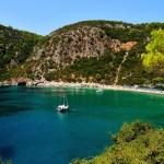جزيرة سكوبيلوس اليونانية.. سياحة في أحضان الطبيعة