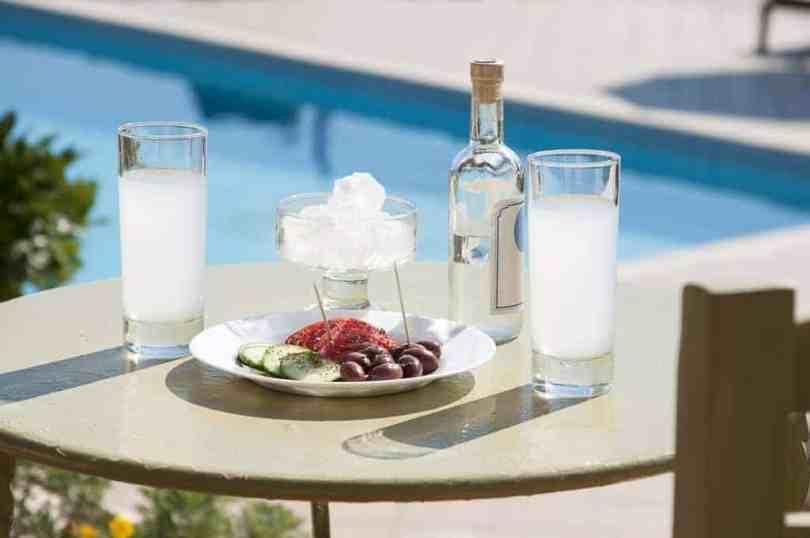 الأطباق اليونانية