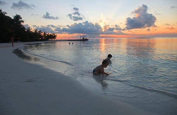 جزر المالديف مع العائلة