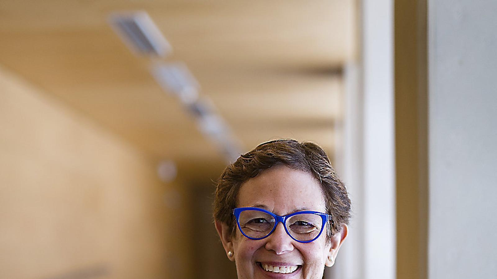 La neoyorquina Adele Diamond ha demostrado con su investigación que se pueden mejorar las funciones cognitivas en el aula. / FRANCESC MELCION