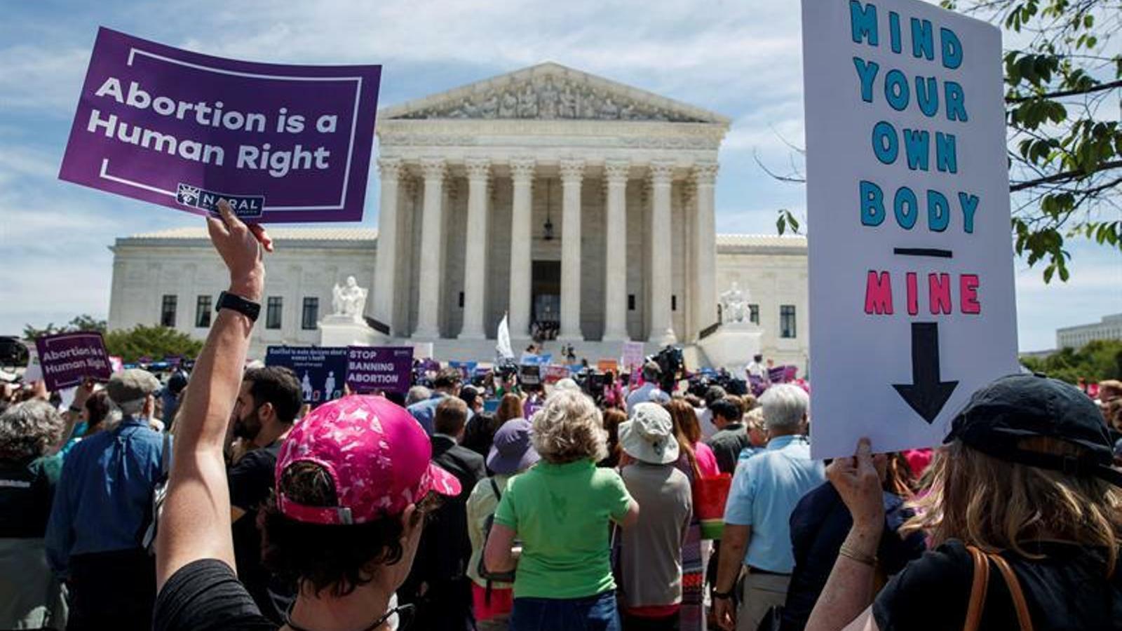 Els nord-americans tornen al carrer pel dret a avortar 50 anys després
