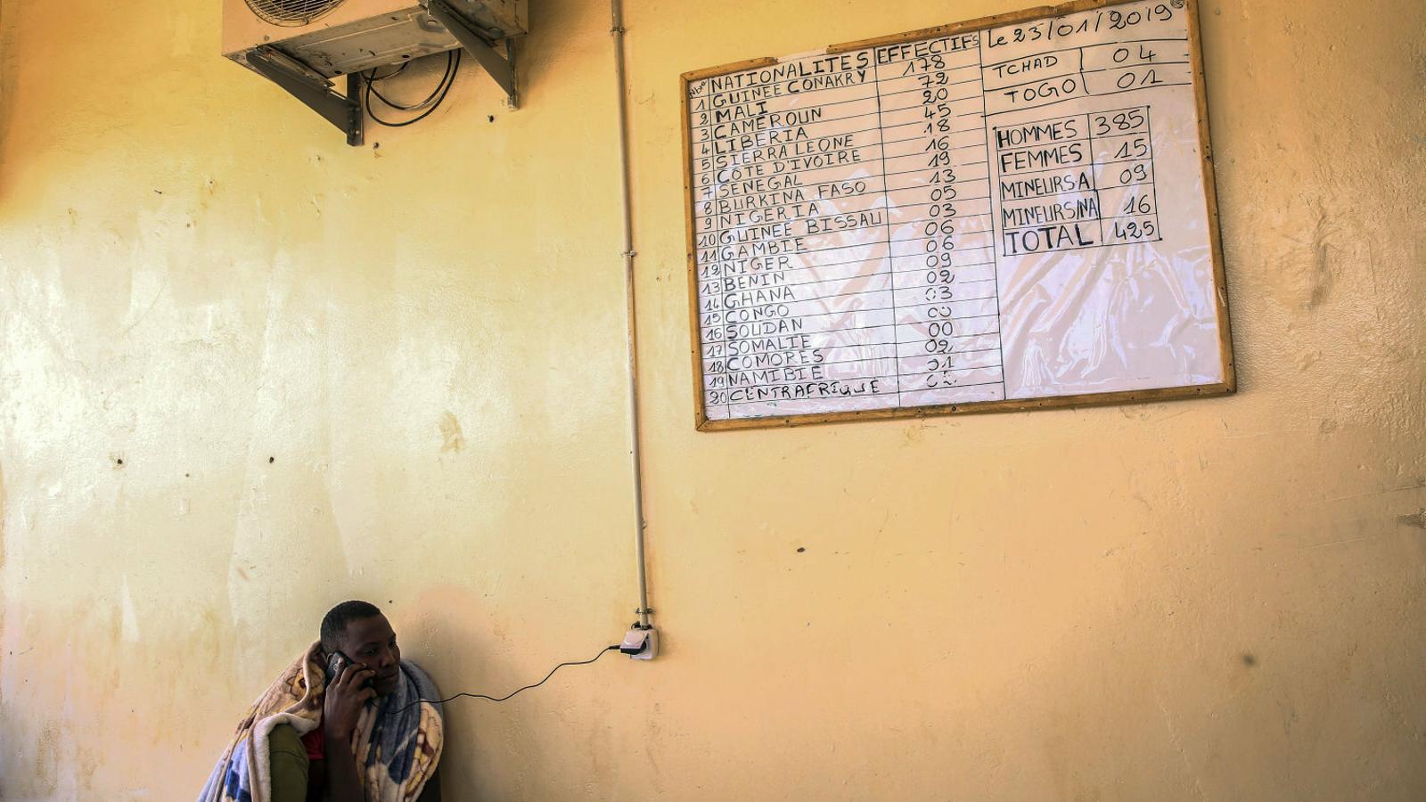 """El """"xantatge"""" de la UE als països del Sahel per aturar la immigració"""