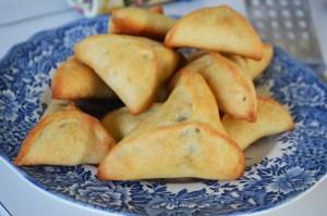 Fatayer bi Jibneh - Cheese Pies