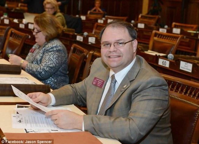 Georgia Lawmaker Wants to Ban Women From Wearing Burqas in Public