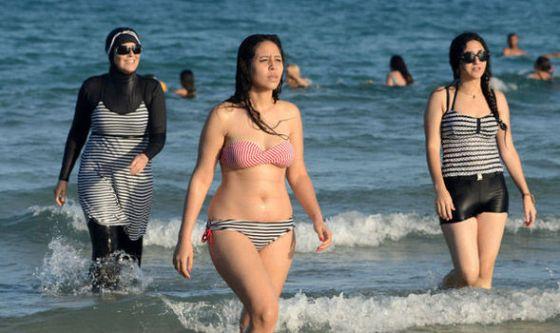 Arabic topless in beach, wwe girls naiked photos