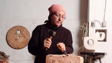 The Remarkable Career of Jordanian Artist Mona Saudi