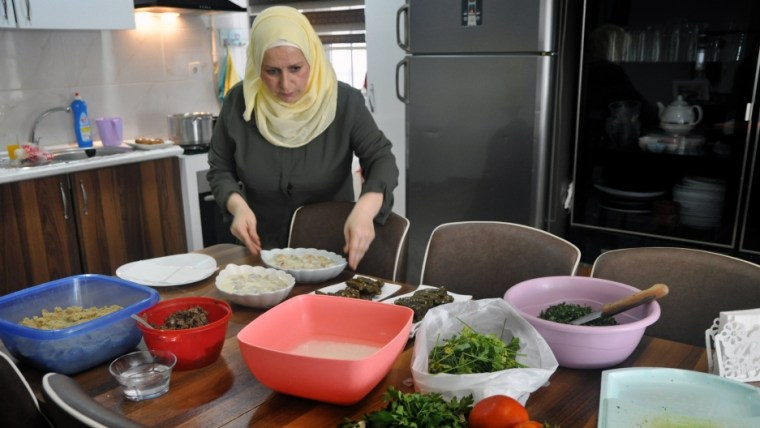 A Syrian Mom in Istanbul Builds a Business from Her Own Kitchen with Whatsapp