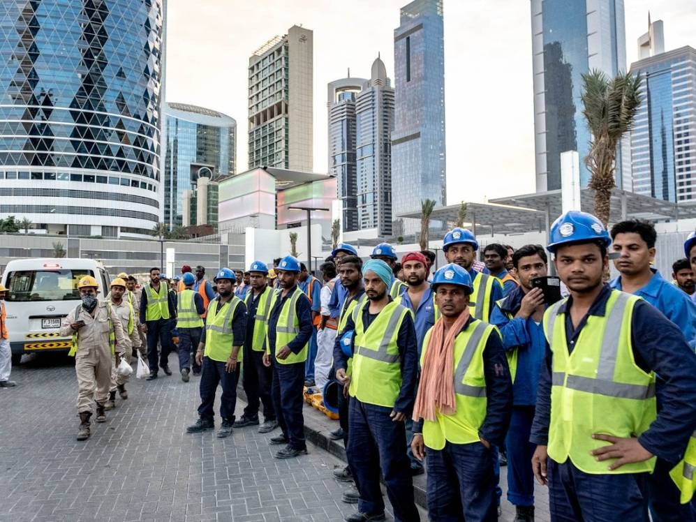 Sharjah Police Officers Provide Food and Shelter To Homeless Workers